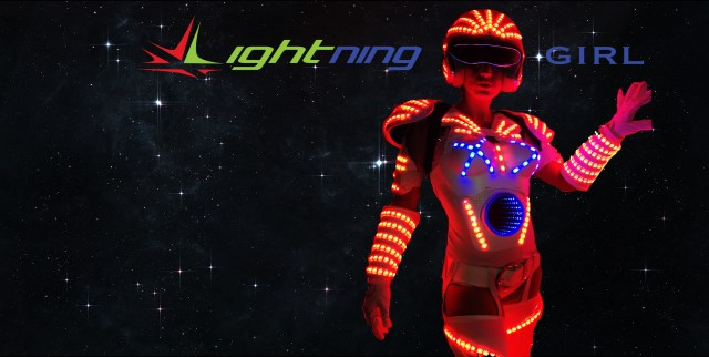E' pronta al debutto......Lightning Girl....la Space woman
